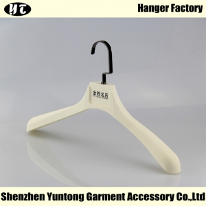 MTR-001 plastic men coat hanger rubber coated clothes hanger