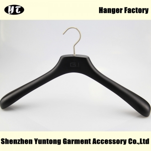 MTW-004 Custom black wood coat hanger jacket hanger