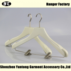 WSW-019 ivory wooden hanger with metal clip for suits