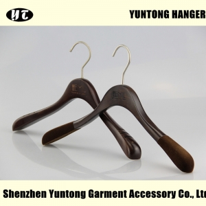 WTW-007 China hanger supplier brown wood hanger for dress hanger with velvet