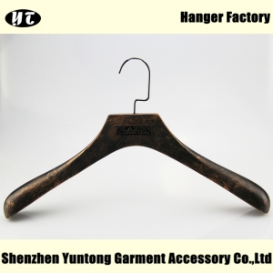 High-end wood clothes hanger with metal plate logo China hanger supplier factory [MTW 014]