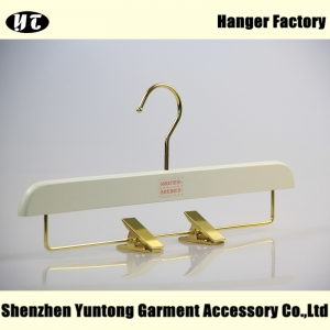 white wooden bottom hanger pant hanger with clips China hanger supplier factory [WBW-008]