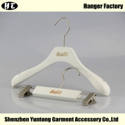 China KSW-001 good quality wooden children coat hanger pants hanger with clips factory