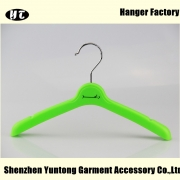 China KTP-005 Online wholesale kids plastic hangers plastic cute kinds hanger sale factory