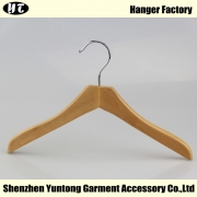 China KTW-001 natural wooden children shirt hanger high end clothing hanger factory