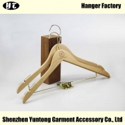 China MSW-022 natural color flat wooden hanger with notches wood t shirt clothes hanger factory
