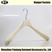 China MTW-007 pine wood coat hanger natural wooden clothes top hanger factory