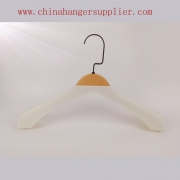 China New style wooden shirt hanger and coat plastic hanger China hanger factory[SWT 020] factory
