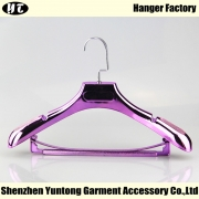 China WSE-001 electroplated luxury hanger with bar suits hanger for women dress factory