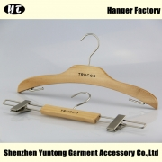 China WSW-011 Good quality display wooden hanger clothes hanger factory