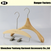 China WSW-013 Design natural wooden hanger for woman clothes factory